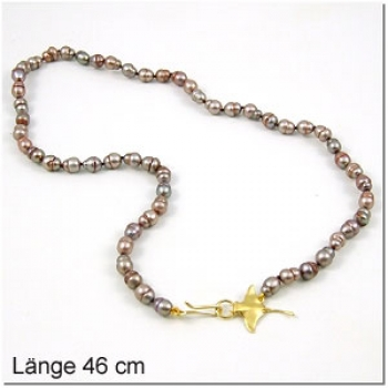 Perlkette mit Rochen als Schloss, vergoldet