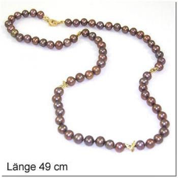Braune Perlkette mit Haielelementen, vergoldet